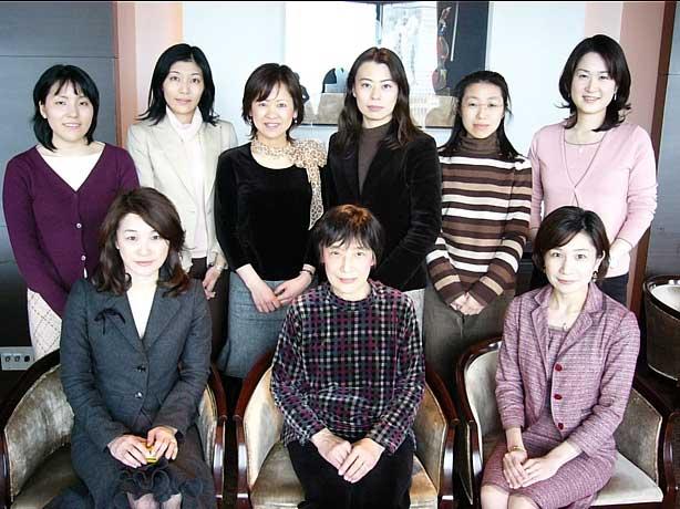 2005-02-26-women.jpg