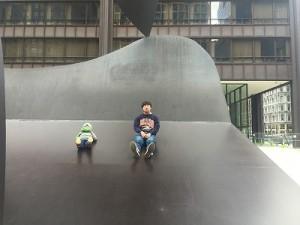 写真2 シカゴにて:ピカソのオブジェの上